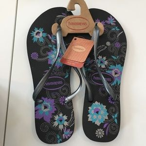 NWT black and silver  Havaianas